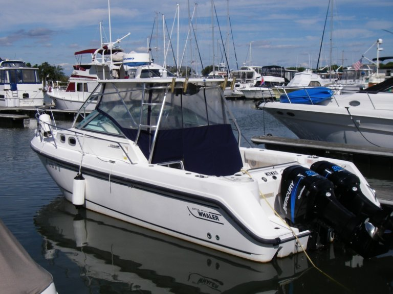 2002 Boston Whaler Conquest 295