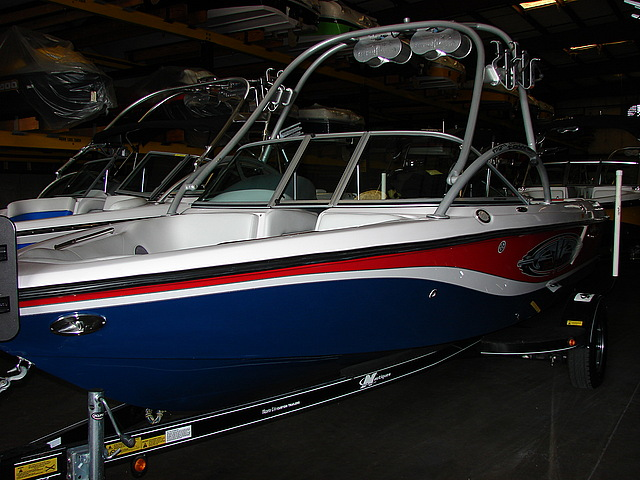 2004 Correct Craft Super Air Nautique 210 Team Edition  - $39,900