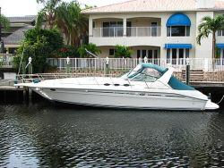 1995 40 ft Fiberglass Sea Ray Express Cruiser