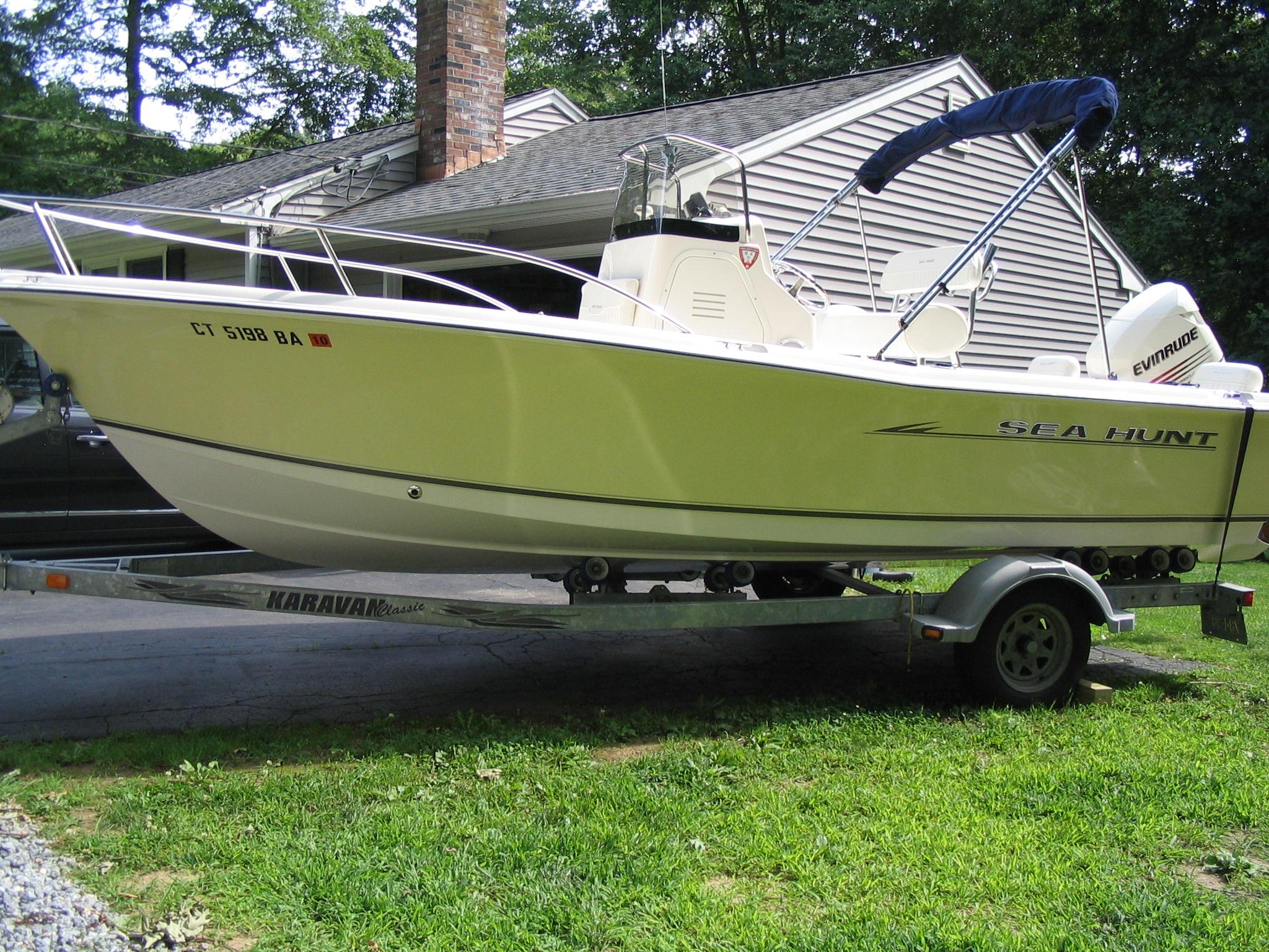 2005 Sea Hunt Triton 202